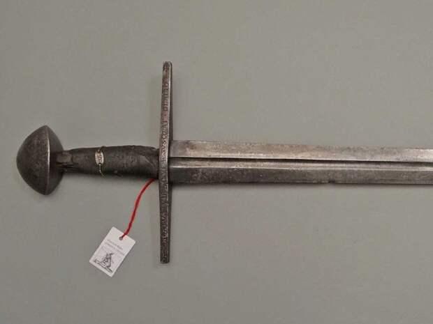 Немецкий меч около 1200 г.