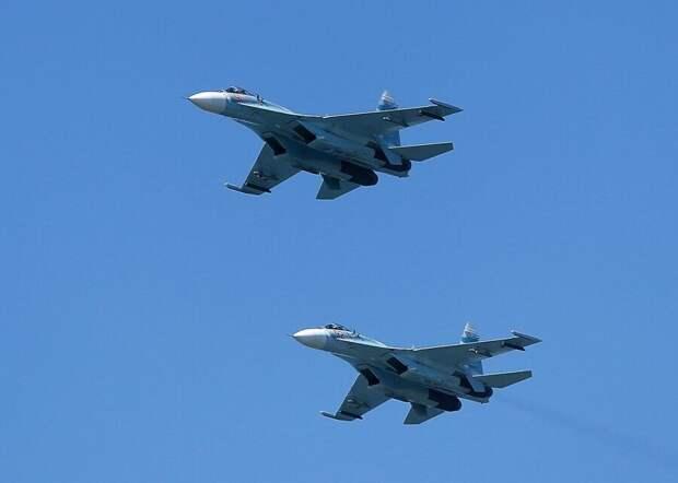 Истребители Су-27 вылетали на перехват бомбардировщика В-52Н США над Балтикой