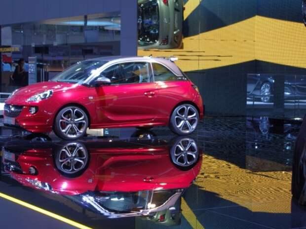 Opel откладывает старт продаж новых моделей в России из-за экономической ситуации