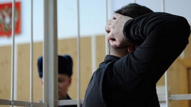 На Кубани осудили бывшего полицейского за вымогание взятки за покровительство