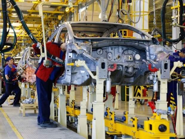 «Автотор» заморозил половину производства из-за ухода GM