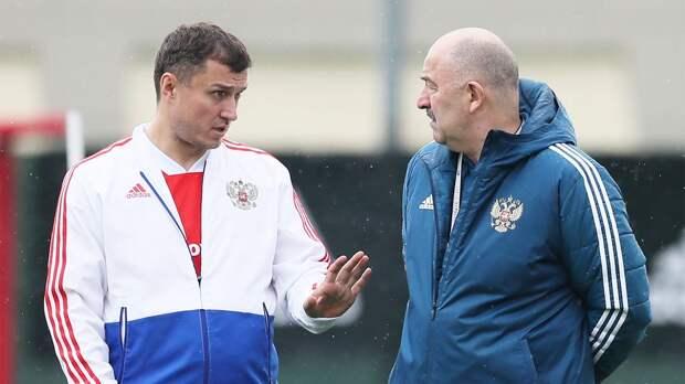 Врач сборной России Безуглов рассказал о влиянии кратковременных авиаперелетов на футболистов