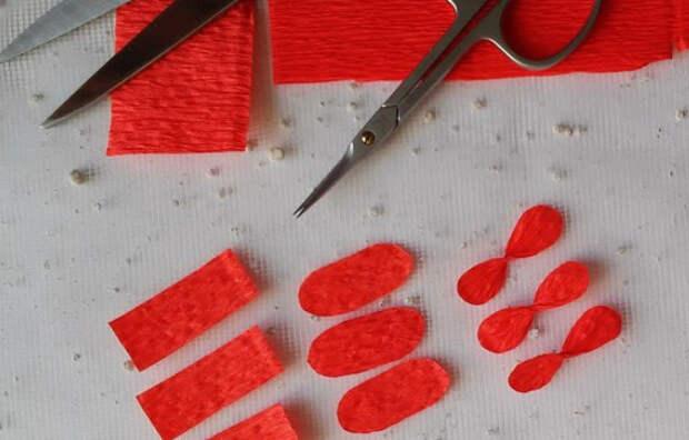 Цветы из гофробумаги своими руками (19)