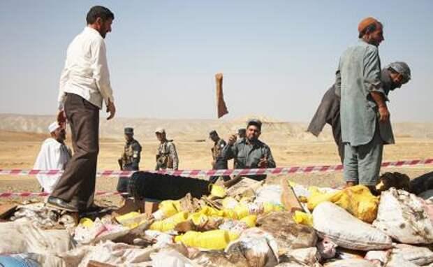 На фото: уничтожение конфискованных наркотиков в Афганистане