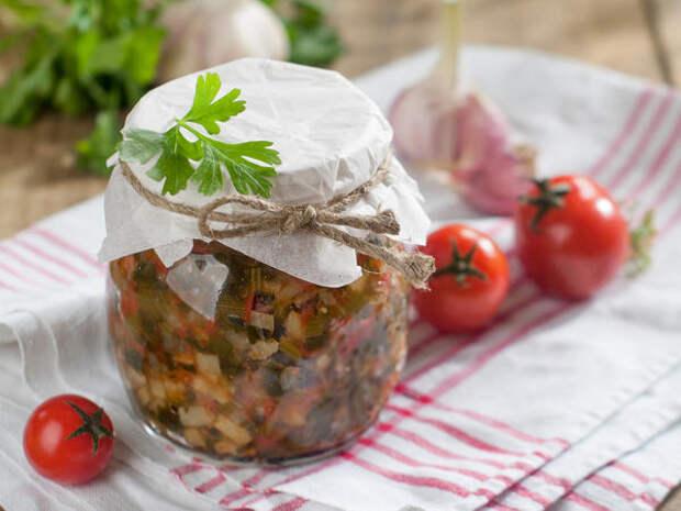Салат из кабачков с огурцами