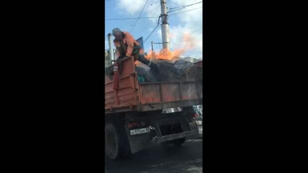 В Севастополе грузовой автомобиль «вспыхнул» прямо на ходу (ВИДЕО)