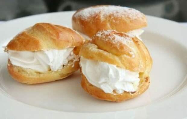 Творожный крем – полезный десерт и  наполнитель для домашней выпечки. Рецепты домашнего творожного крема и варианты его использования
