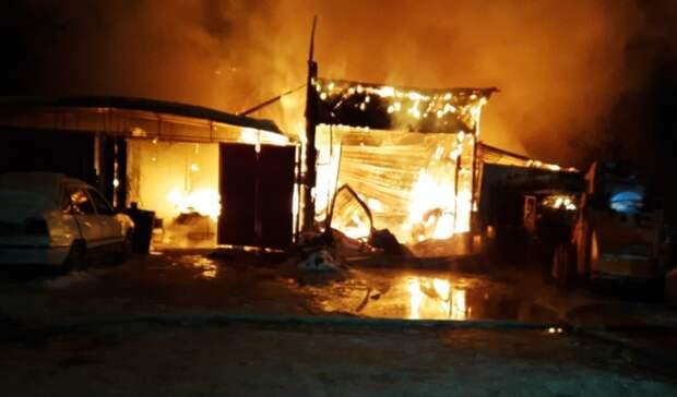 Шесть взрослых итрое детей спасены изгорящего дома вЕкатеринбурге