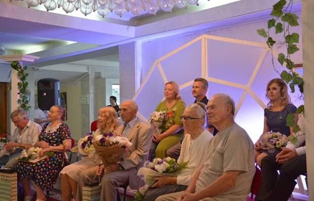 Как в Севастополе отметили день семьи любви и верности (ФОТО)