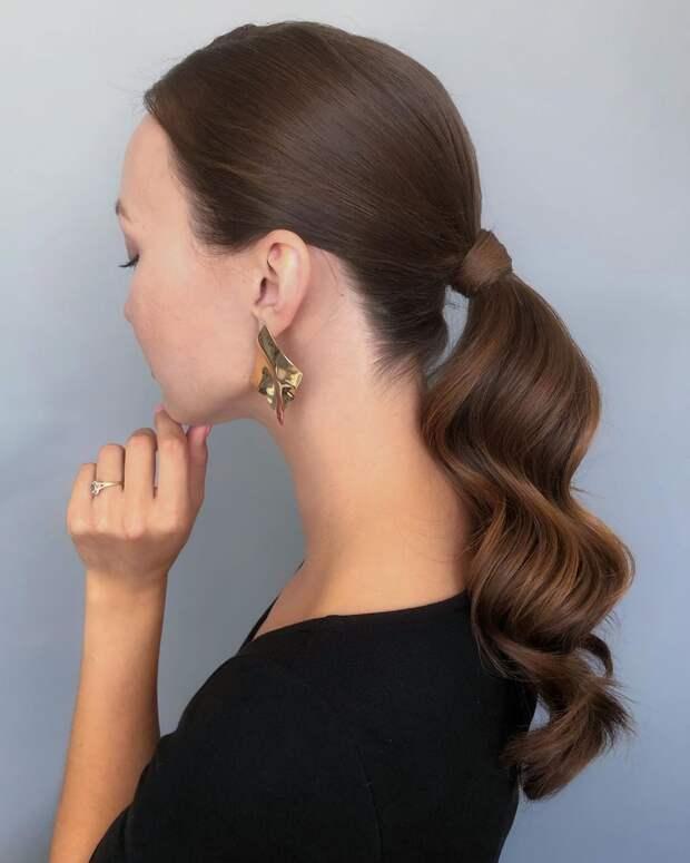 10 роскошных причёсок для офиса, которые точно покорят окружающих в 2021 году