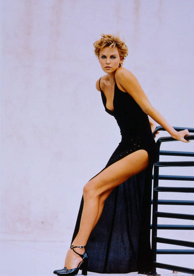 Шарлиз Терон (Charlize Theron) в фотосессии Ланса Стэдлера (Lance Staedler) (1997), фото 5