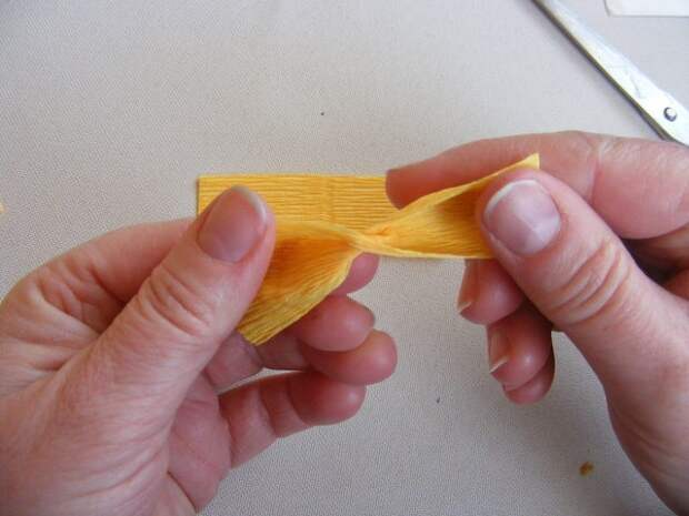 Крокусы из гофрированной бумаги. Мастер-класс (4) (640x480, 171Kb)