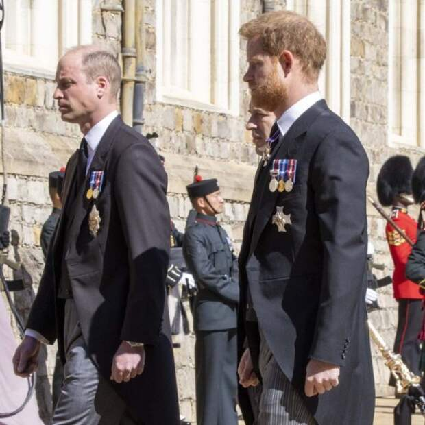 Принц Уильям и принц Гарри на похоронах своего деда принца Филиппа