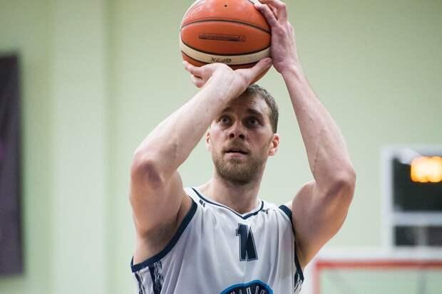Баскетболисты «Купол-Родников» разгромили в Ижевске команду из Сургута