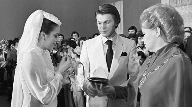 Какой была свадьба звезд советского спорта Блохина и Дерюгиной