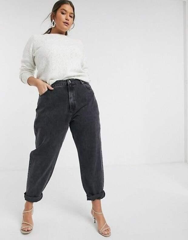 Модели джинсов, которые корректируют фигуру plussize