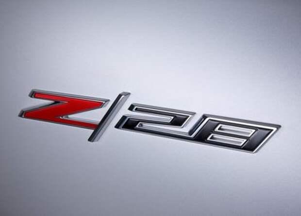 Chevrolet Camaro Z/28 накачивает мускулы под свист турбин