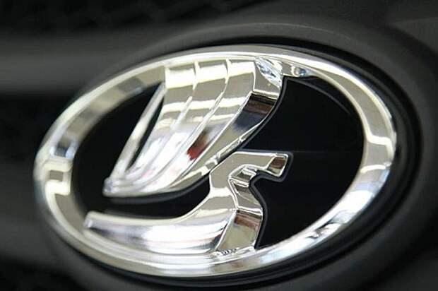 Покупатели Lada обрушили продажи АВТОВАЗа в ожидании Vesta