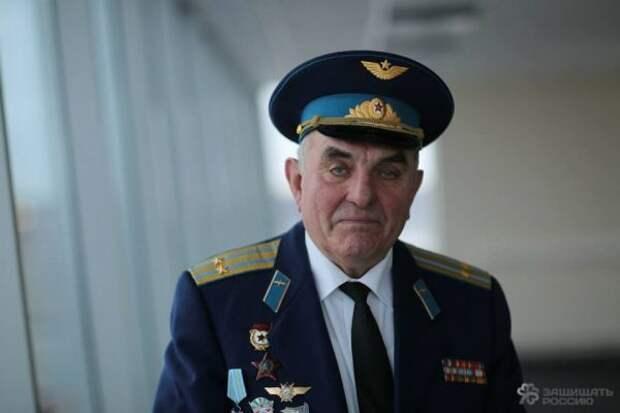 """""""Самолет под мостом"""": юбилей сибирского авиахулиганства."""