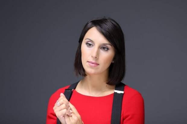 Джамала сфотографировалась с перевернутым флагом Украины