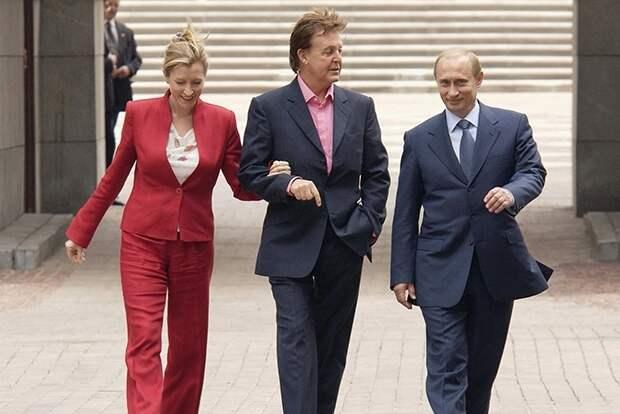 На поклон: о чем российские и мировые звезды просили Путина