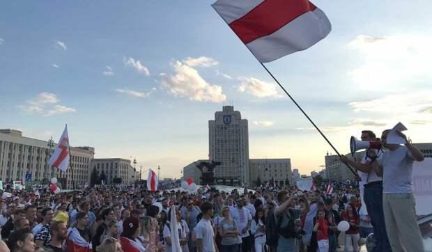 Аналитик Усов назвал выгоду России от политического кризиса в Белоруссии