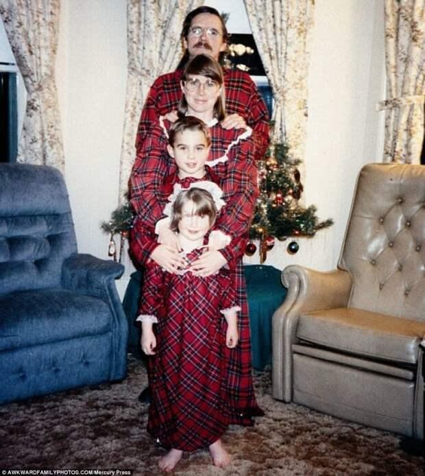 11 рождественских портретов от очень странных семей
