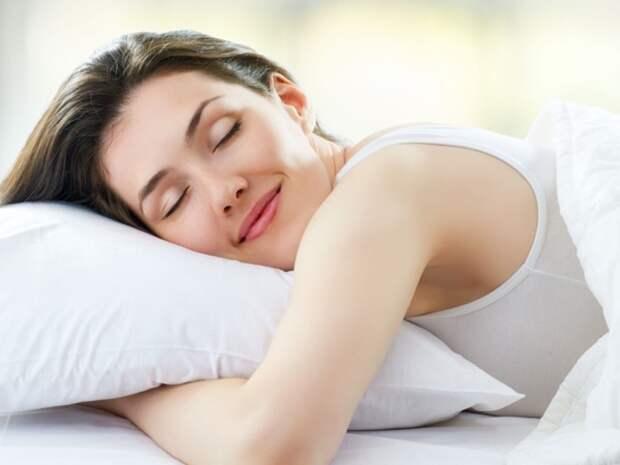 Врач рассказал, в какое время суток сон наиболее полезен