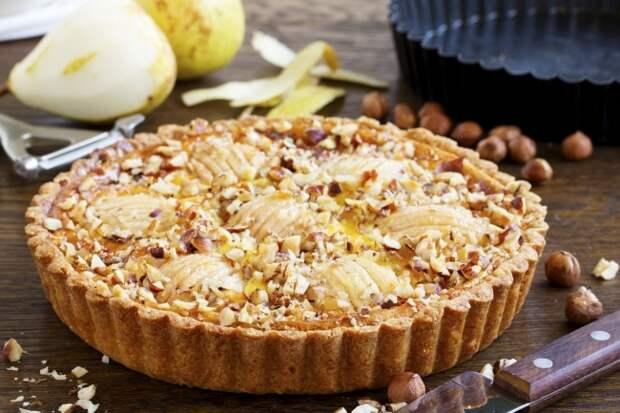 Быстрый грушевый пирог по-французски — идеальный осенний десерт!