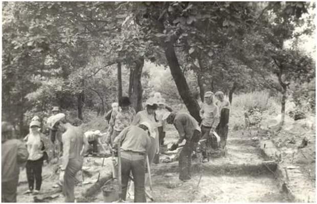 Студенты-историки на полевой практике