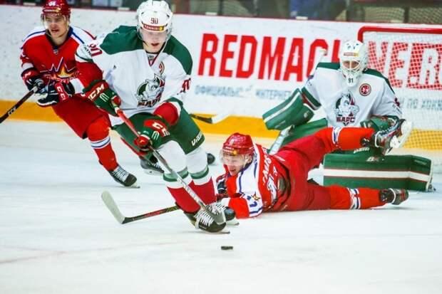 Хоккеисты «Ижстали» на домашнем льду потерпели поражение от казанского «Барса»