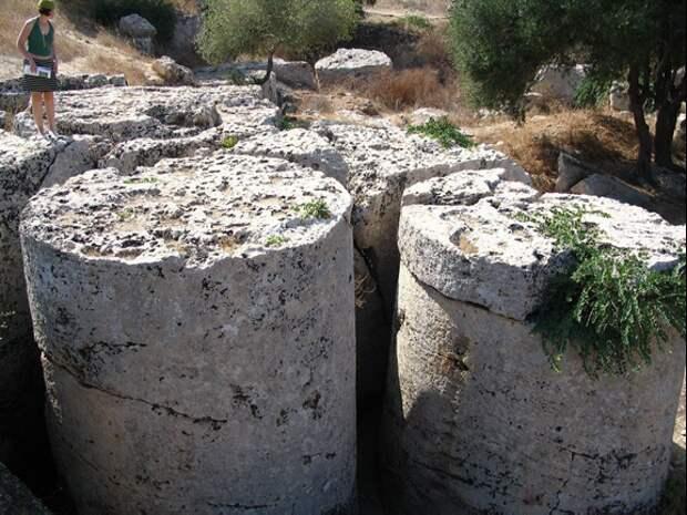 Каменные цилиндры Трапани. Источник https://vk.com/ufoobserver