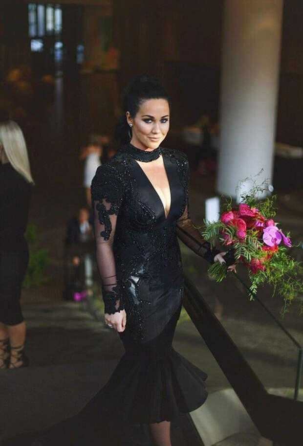 Чёрное свадебное платье