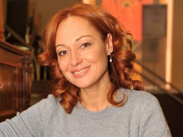 «Не все люди сволочи»: Виктория Тарасова рассказала о том, как пережила измену мужа