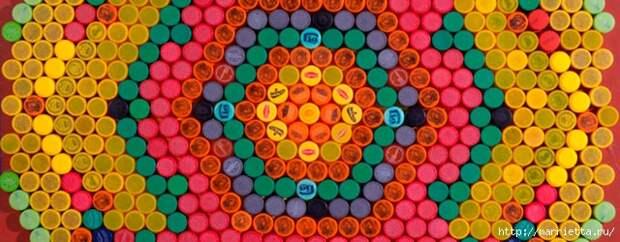 Массажный коврик из крышек от пластиковых бутылок (3) (640x250, 178Kb)