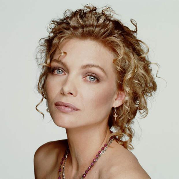 Мишель Пфайффер (Michelle Pfeiffer) в фотосессии Терри О'Нила (Terry O'Neill) (1990), фотография 2