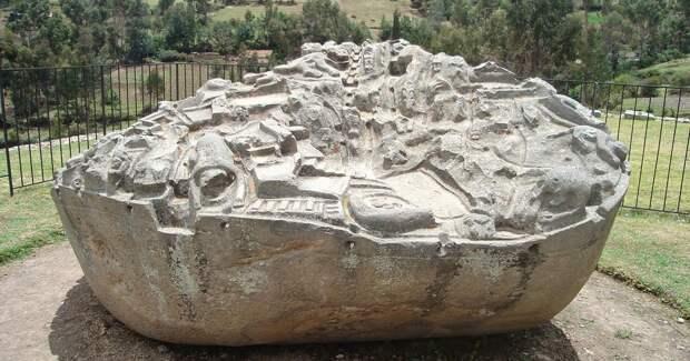 Загадочный камень с макетом города не дает покоя ученым