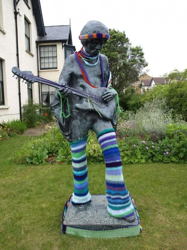 Статуи музыкантов