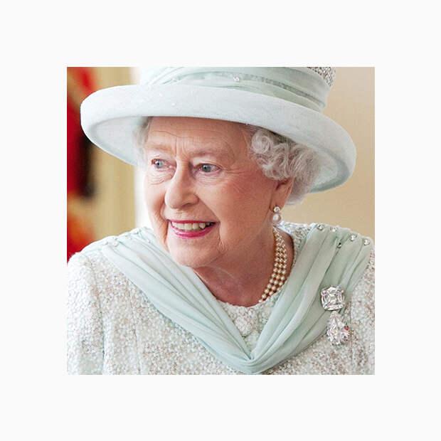 002 small Любимые броши британской королевы Елизаветы II