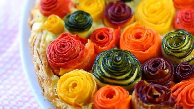 Пирог с розочками из овощей - невероятно, но приготовить его очень просто!