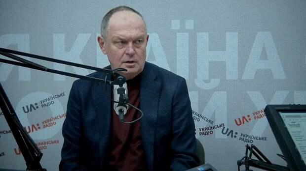 Дядя Паша Жовниренко вытерпит все от «клятых москалей» лишь бы они хорошо платили