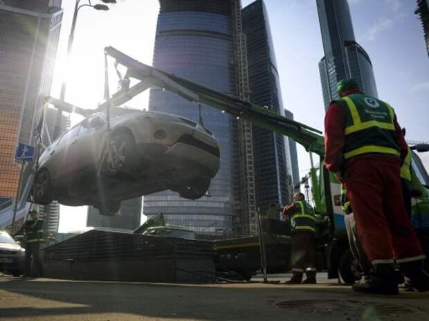 Генпрокуратура выявила нарушения в работе столичных парковочных служб