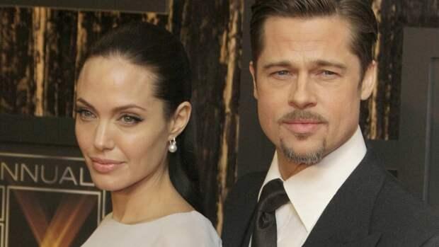 Анджелина Джоли ужаснула фанатов прыщами и морщинами на лице