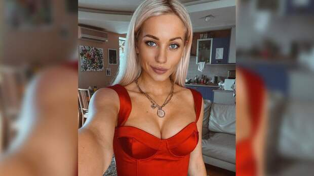 Актриса Астапова рассекретила пол ребенка на своем концерте