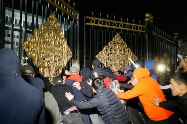 Голос Мордора: Демократические революции в Кыргызстане — лишь обычное прикрытие вековых кланов войн