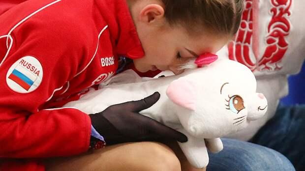 13-летняя ученица Тутберидзе Акатьева прыгнула четверной и триксель. В турнире юниоров на квад пошел только Голубев