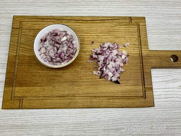 Рецепт всеми забытого советского салата «Чайка»: то, что нужно к праздничному столу.