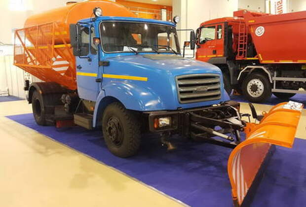 Коммунальная машина МДКП-43276: и посыплет, и помоет