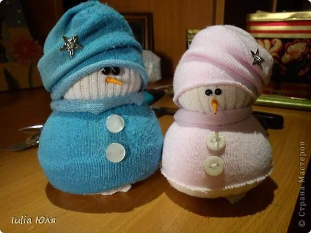 Игрушка Мастер-класс Новый год Рождество Шитьё Снеговики из носков Бусины Карандаш Нитки Носки фото 1