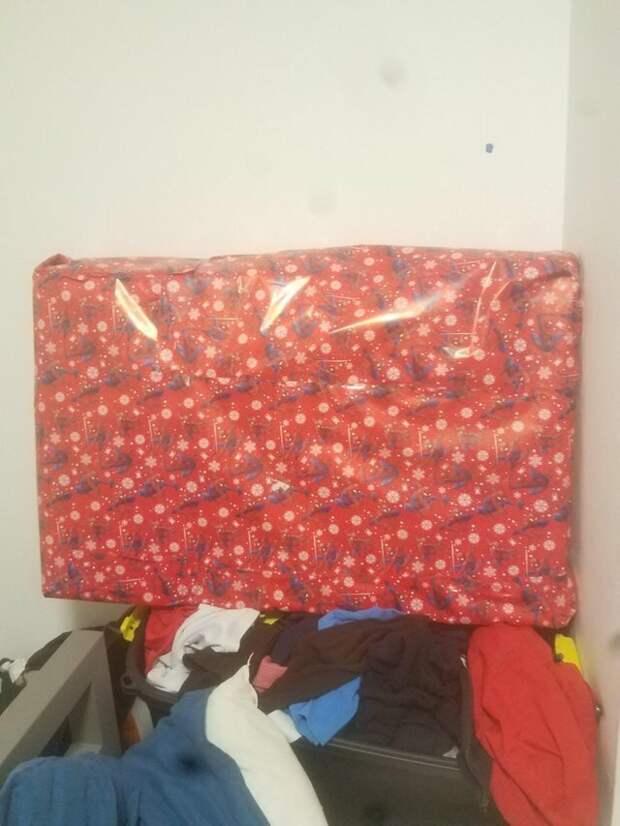 14. Парень упаковал ожерелье для подруги в коробку от телевизора мастера упаковки, подарок, прикол, упаковка